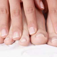 Как ухаживать за слоящимися ногтями