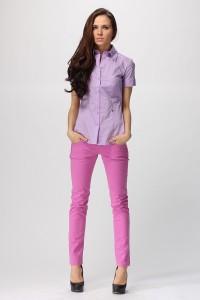 Розовые джинсы с чем носить