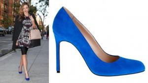Миранда была одета в темно-синие платье