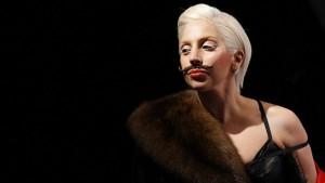 Lady Gaga снова шокировала публику!