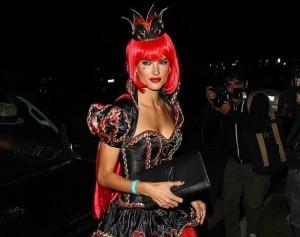 Алессандра Амбросио королева Хэллоуина