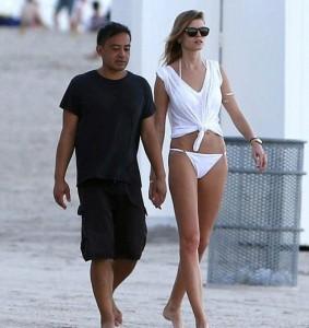 Марина Линчук на пляже Майами