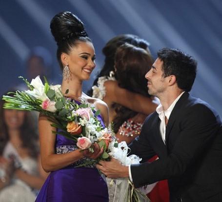 Мисс Косово отказали в визе второй раз