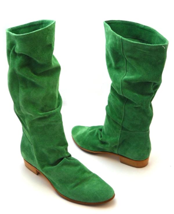 Модные зеленые сапоги с чем носить?