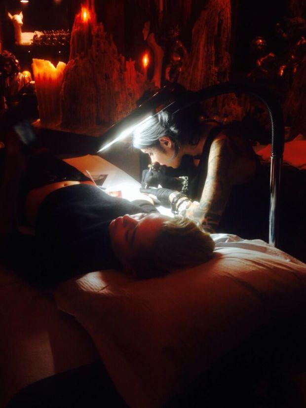 Майли Сайрус сделала новую татуировку