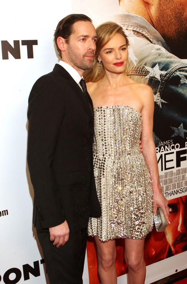 В каком платье Кейт Босуорт на ковровой дорожке?