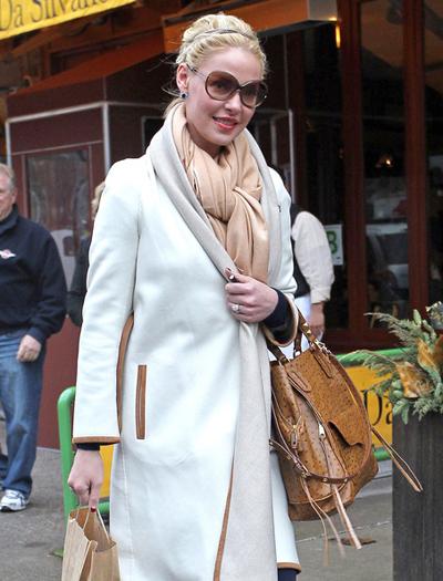 Белое пальто, с чем носить