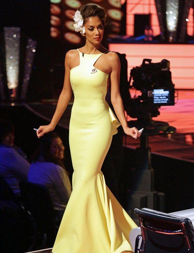 Какое платье у Николь Шерзингер было в X-Factor на днях?