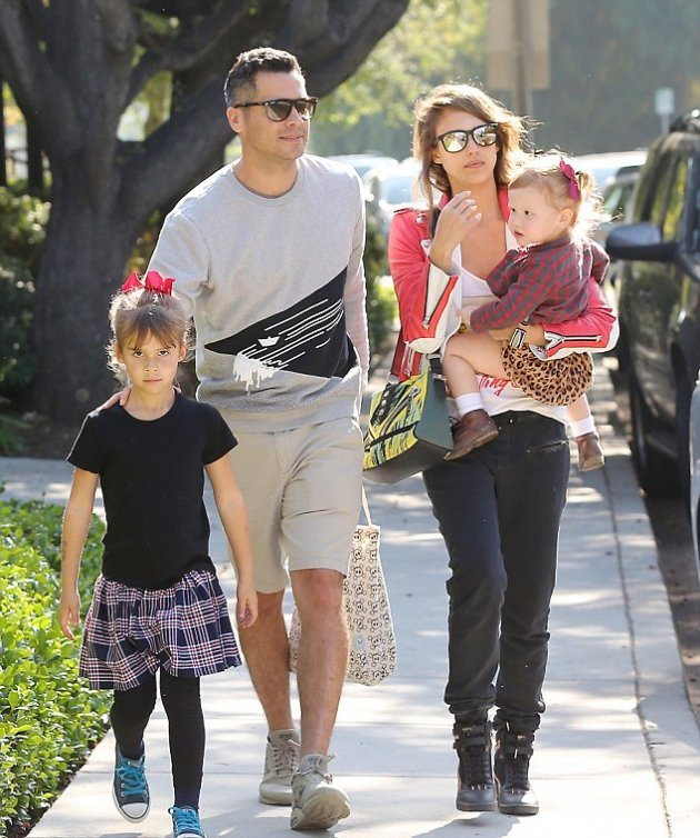 У Джессики Альба идеальная семья