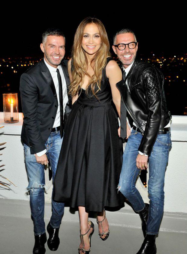 В каком платье была Дженнифер Лопес на модной вечеринке?