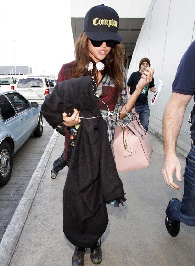 Селена Гомес перед концертом в Техасе