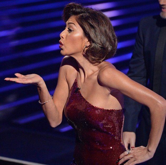 В каком платье была Николь Шерзингер на последнем X Factor?