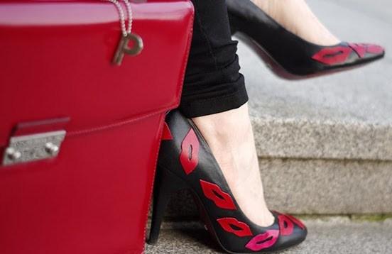 Превращаем старые туфли в модные и стильные туфельки!