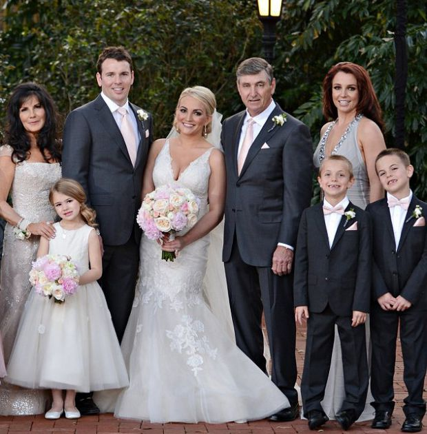 Сестра Бритни Спирс вышла замуж