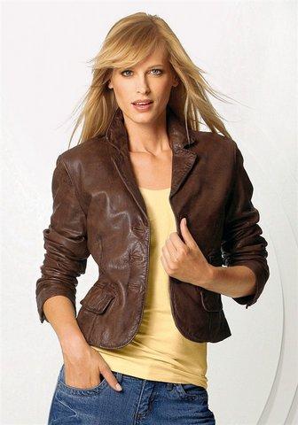 С чем сочетать кожаный пиджак?