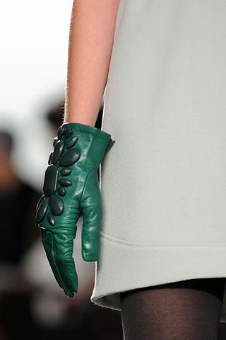 История перчаток