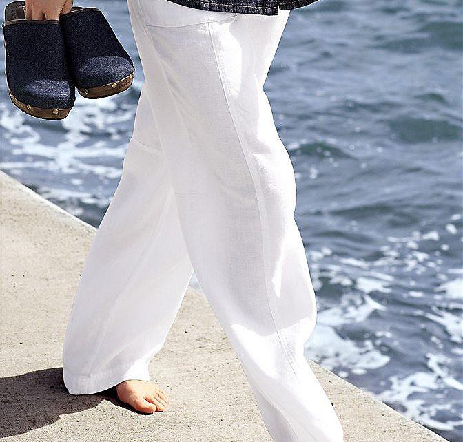 Что носить с льняными брюками?