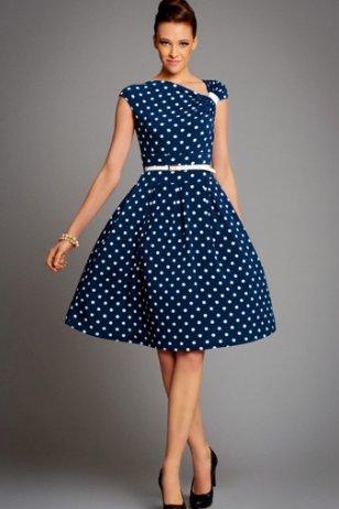 Синее платье в горошек, с чем носить?