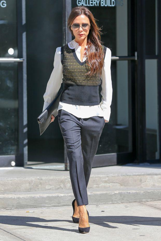 Виктория Бекхэм продает дизайнерские платья
