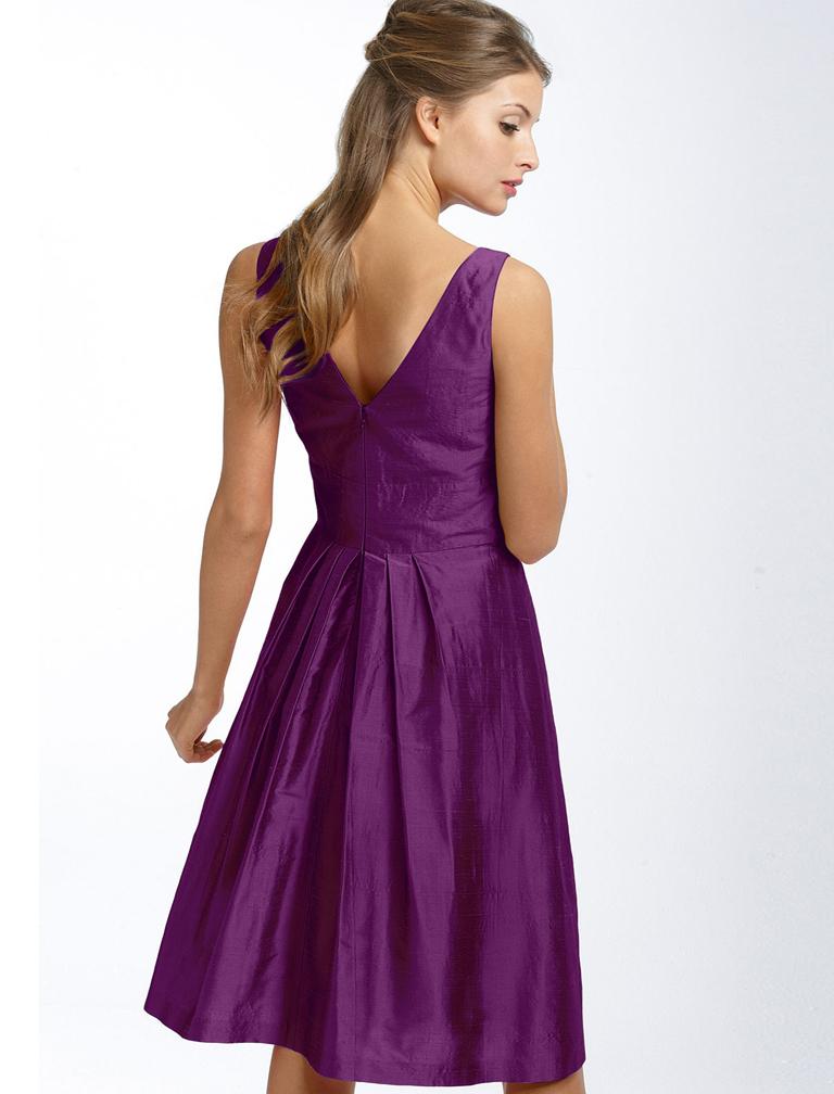Фиолетовое платье с чем носить
