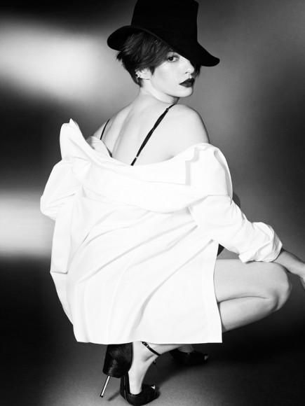 Энн Хэтэуэй снялась в соблазнительной фотосессии