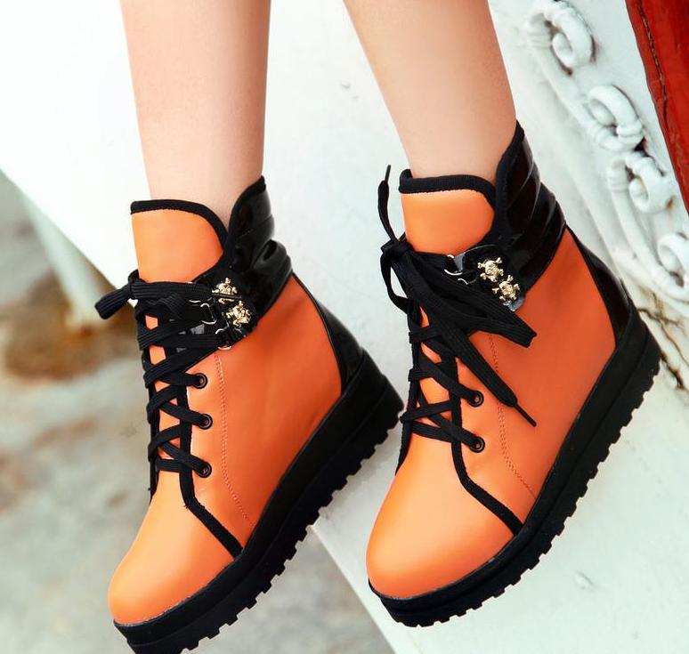С чем носить короткие ботинки?