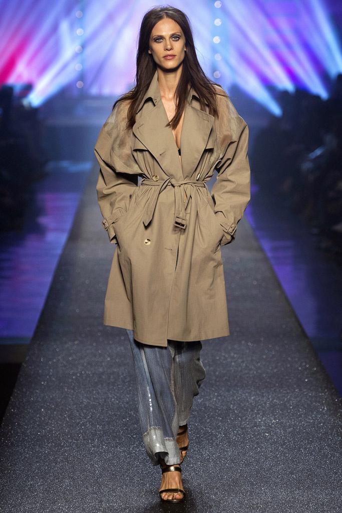 Мода на женские плащи 2015