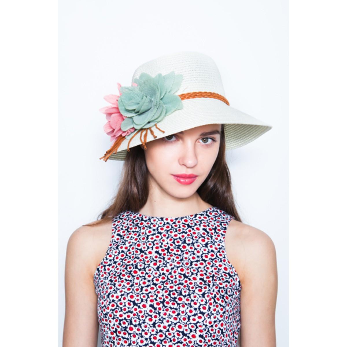Шляпки с цветами