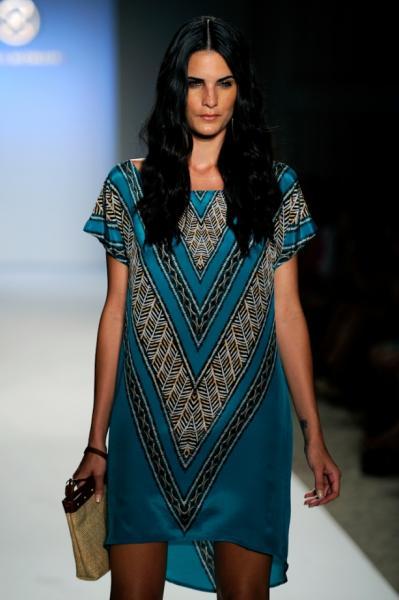 Туники мода 2015