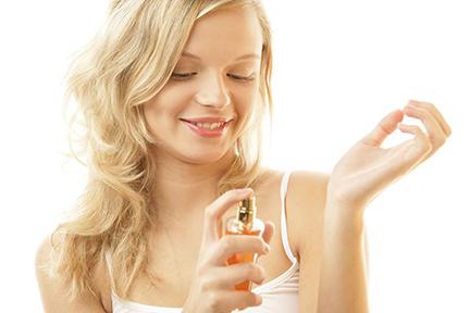 Как выбрать девушке парфюм?