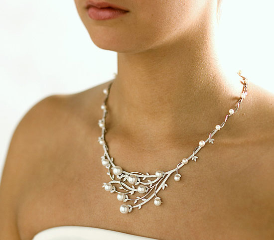 1289660328_bride_jewerly