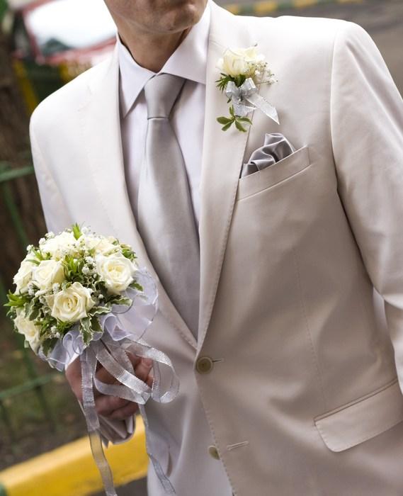 Как выбрать бутоньерки на свадьбу