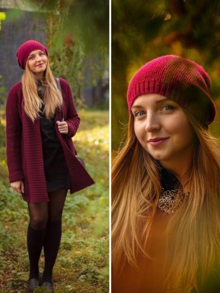 Девушка в бордовом кардигане и бордовой вязанной шапке
