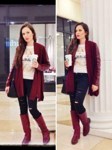 Две фотографии девушки, идущей по торговому центру с кофе в руке