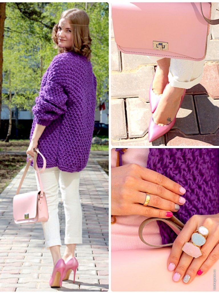 Коллаж трех фотографий девушки в ажурном свитере фиолетового цвета, белых брюках и розовых туфлях