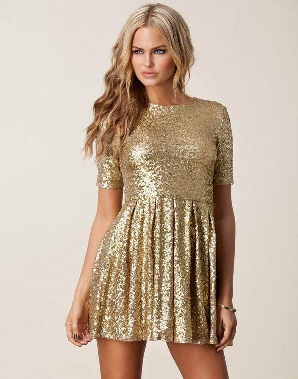 Золотое платье на встречу Нового года