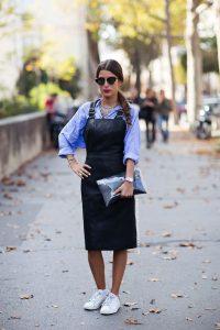 Кожаный сарафан в сочетании с рубашкой